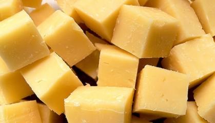 Zralé tvrdé sýry neobsahují téměř žádnou laktózu (foto: SXC)