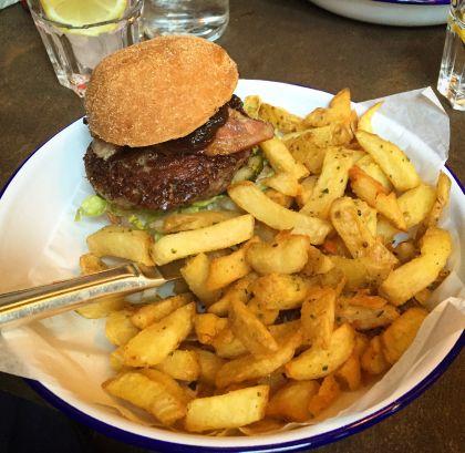 Bezlepkový hamburger v Honest Burgers