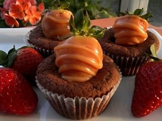 Čokoládové muffiny s jahodou