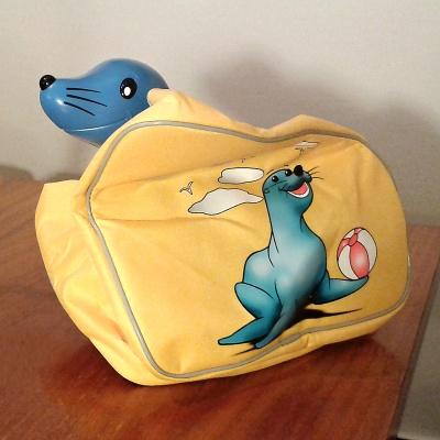 Tuleň v tašce