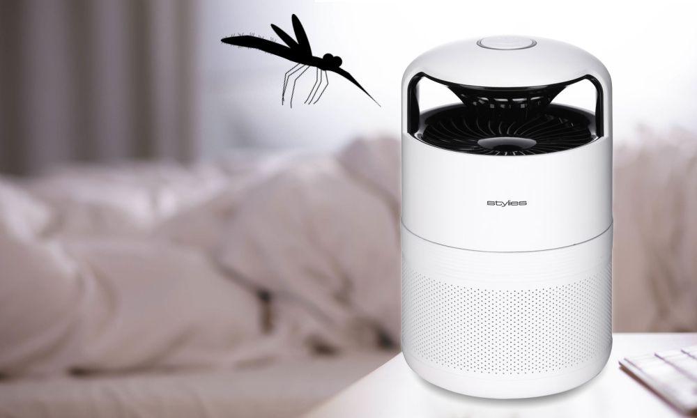 Past na komáry Stylies Pictoris naláká hmyz a pak jej vcucne do sebe