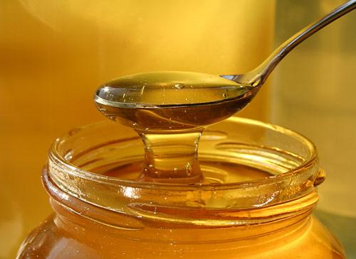Za většinou alergických reakcí na med stojí zatoulané pyly